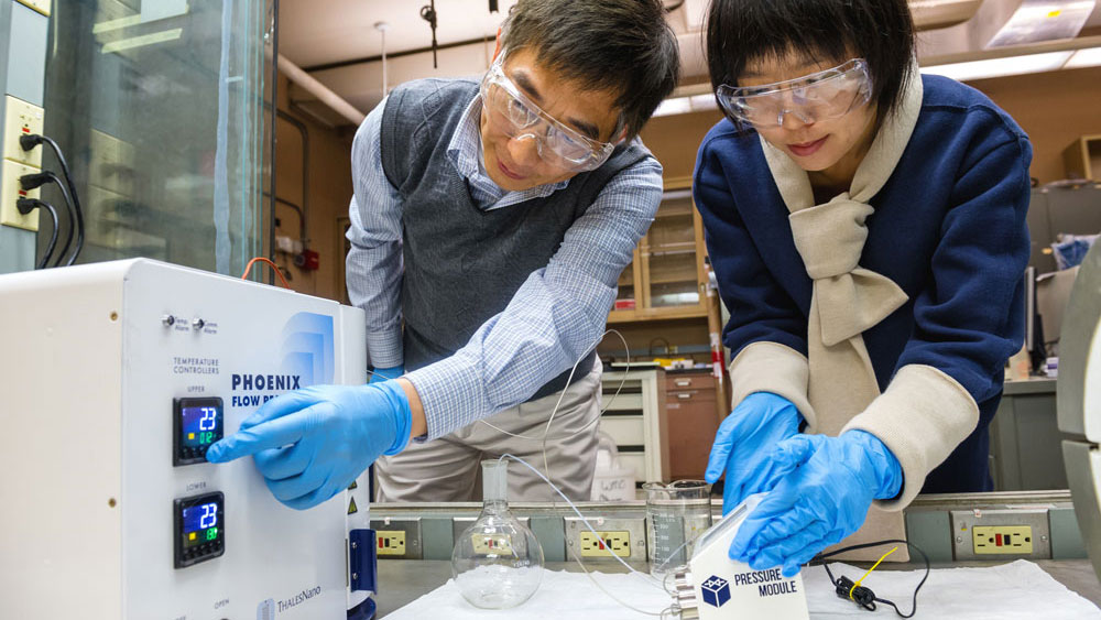 Making a nanofoam that can block heat from windows. A team of Argonne researchers is developing a nanofoam that can block heat and sound from passing through your window. This experimental glass coating uses tiny gas bubbles to block these environmental irritants, while allowing visible light to shine through—which could save the country millions a year in energy costs.