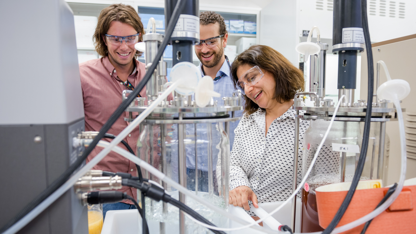 Chain Reaction Innovation entrepreneurs Justin Whiteley and Tyler Huggins work with Argonne scientist Meltem Urgun-Demirtas