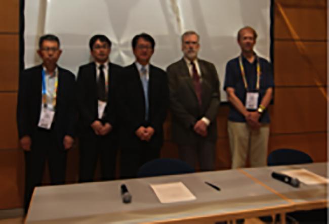 Yutaka Ishikawa, Shinya Tahata,and Yoshio Kawaguchi (Japan), William Harrod (DOE), and Pete Beckman (Argonne) at MOU-signing ceremony (Photo courtesy of Tim Krieger)
