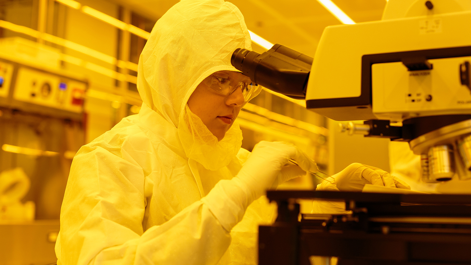 bigail Shearrow, Research Engineer in the Schuster Lab at the University of Chicago, works in the Pritzker Nanofabrication Facility in the basement of the University's William Eckhardt Research Center.