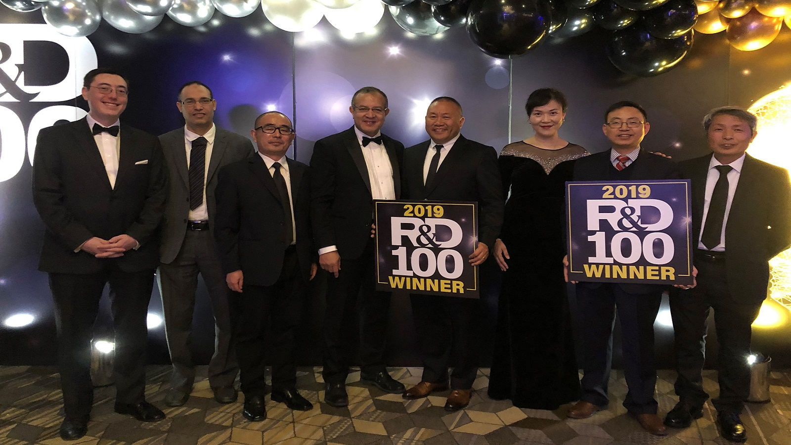 2019 R&D 100 Awards - Left to right: Bryan Yonemoto (Microvast), Ali Abouimrane (former ANL ), Jun Lu (ANL) Khalil Amine (ANL),Yang Wu ( Microvast), Wenjuan Mattis (Microvast), Jinbo He (Microvast) and Zonghai Chen (ANL)