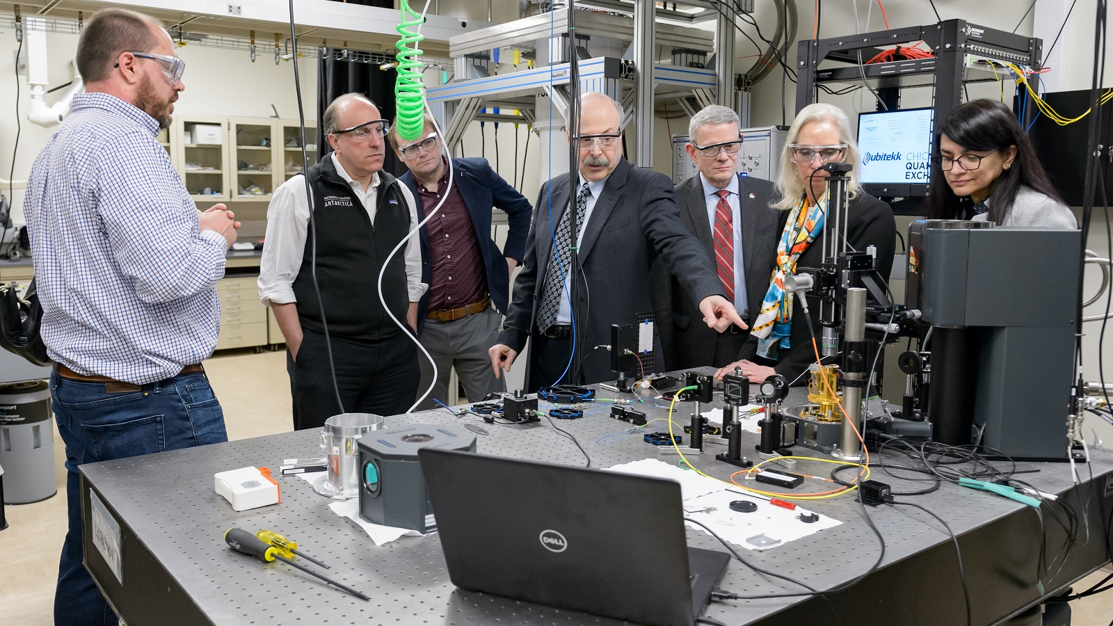Department of Energy Under Secretary for Science Paul Dabbar and Argonne and UChicago scientists and leaders discuss quantum entanglement along Argonne's quantum loop, a 52-mile fiber optic testbed for quantum communication in the Chicago suburbs. (Image by Argonne National Laboratory.)