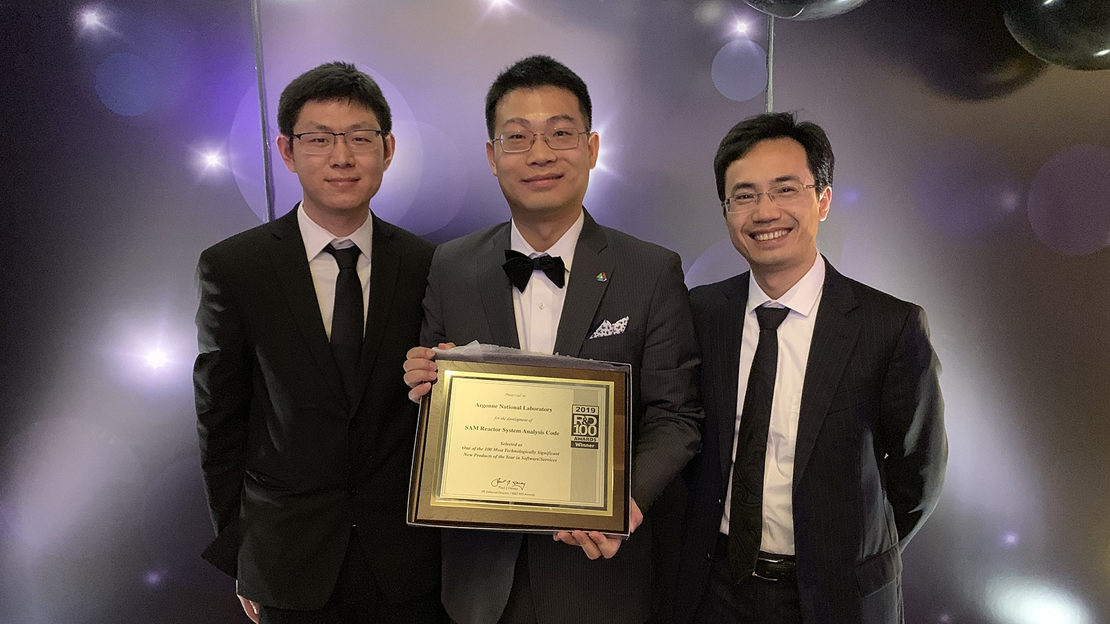 R&D 100 award winners, Guojun Hu, Rui Hu, and Ling Zou.
