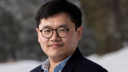 Hsinhan (Dave) Tsai of Los Alamos National Laboratory, 2020 recipient of the Rosalind Franklin Young Investigator Award. (Image courtesy of Los Alamos National Laboratory.)
