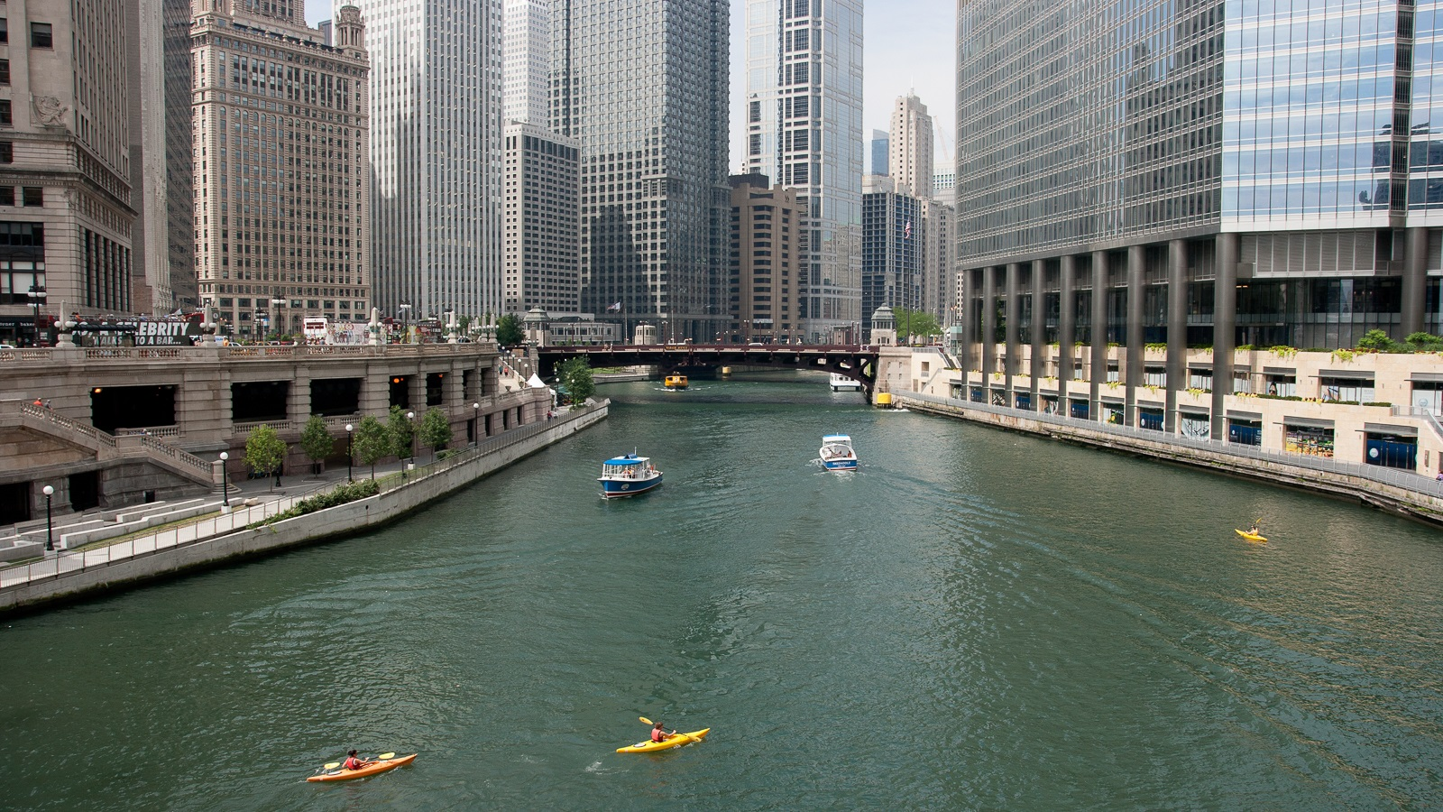Boats on the Chicago River. (Image by Argonne National Laboratory.)