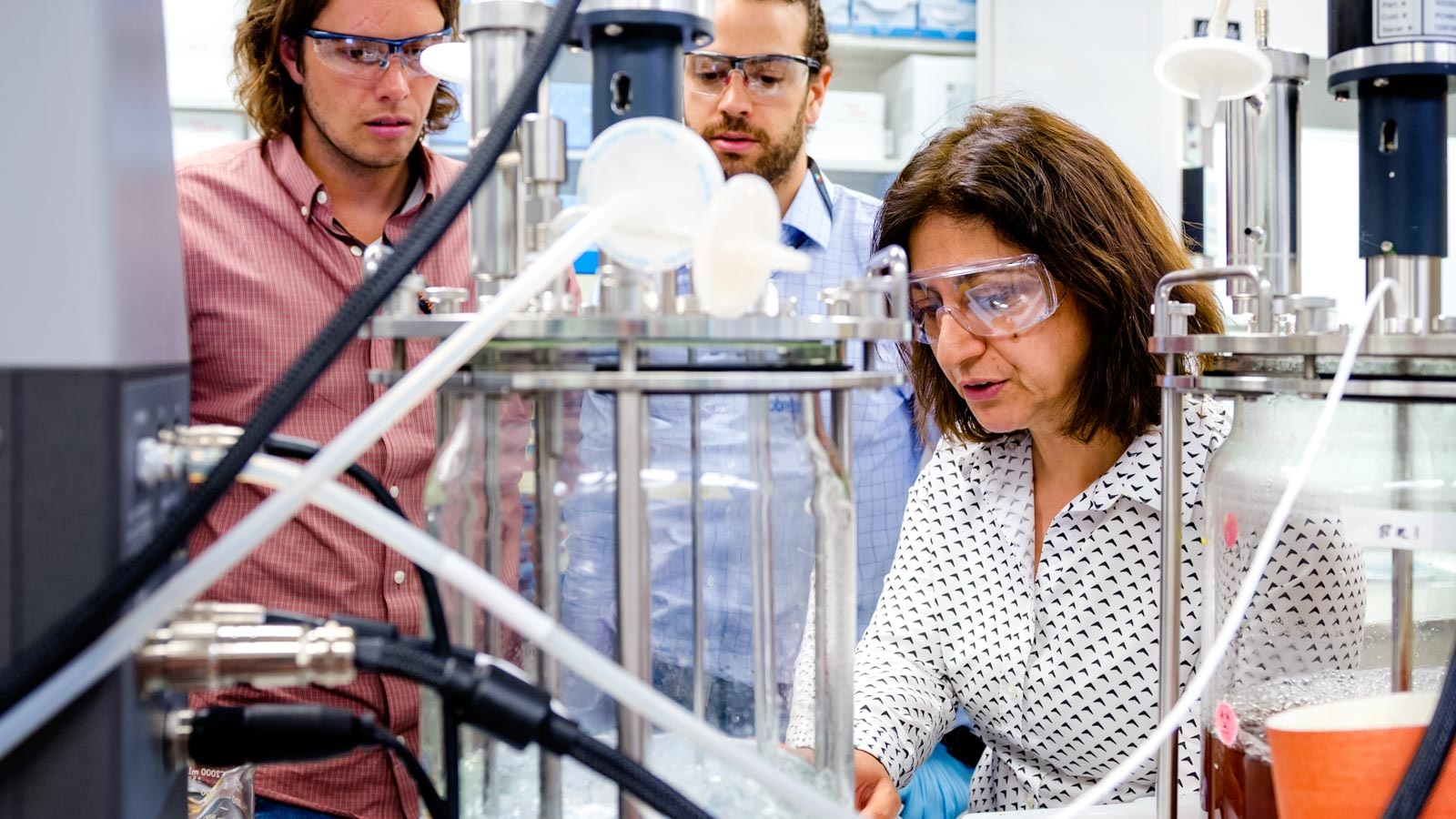 Meltem Urgun-Demirtas, right, a group leader at Argonne, along with the University of Michigan and Northwestern University will lead a bioenergy industry consortium with a workforce development component to develop new technologies. (Image by Argonne National Laboratory.)