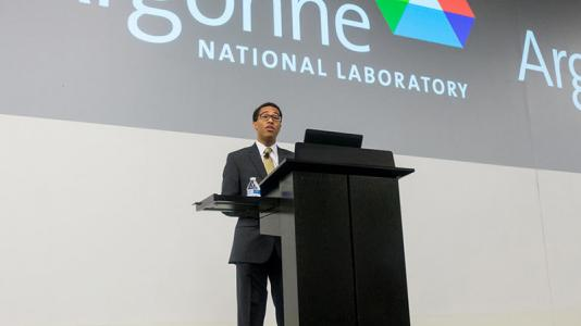 Tavis Reed speaking at Argonne National Laboratory.