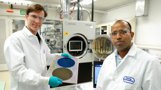Argonne chemists Jeff Elam and Anil Mane