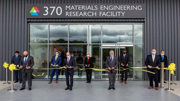 Officials from the U.S. Department of Energy and Argonne National Laboratory join Deputy Secretary of Energy Mark Menezes and Argonne Director Paul Kearns to cut the ribbon on the expanded Materials Engineering Research Facility on September 10, 2020. (Image by Argonne National Laboratory.)