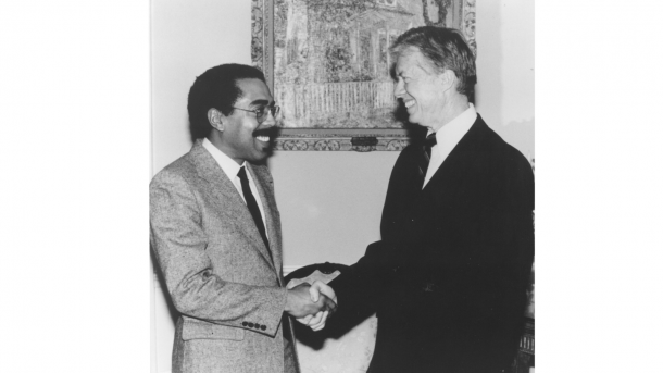 Walter Massey meets former President Jimmy Carter. (Image by Argonne National Laboratory.)