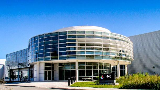 Photo of Center for Nanoscale Materials building. (Image by Argonne National Laboratory.)